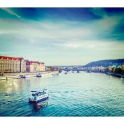 Fotomural barco en el río