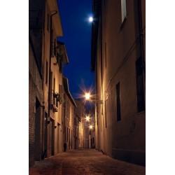 Fotomural callejón de noche 1