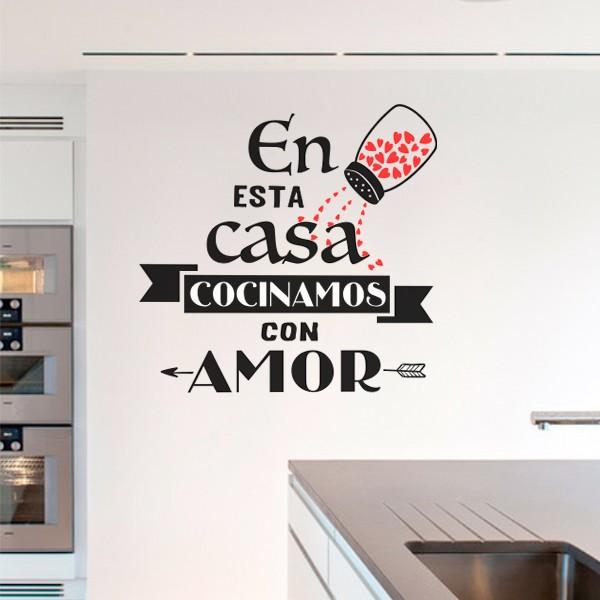 Vinilo de frase en esta casa cocinamos con amor - Pegatinas para cocinas ...