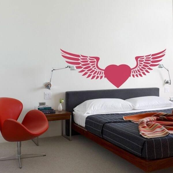 Vinilo corazón con alas