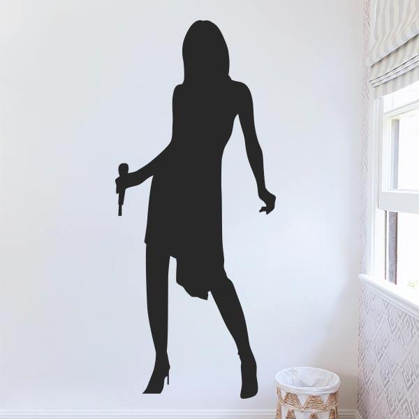 Decorativo mujer cantando