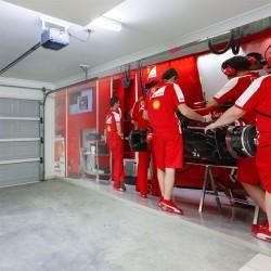 Fotomural taller Ferrari